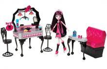 Monster High Игровой набор с куклой Ресторан Дракулауры (Y7719)